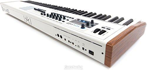 1. Arturia KeyLab 88 USB Hybrid MIDI Keyboard Controller