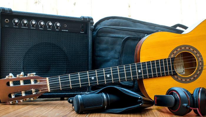 """small 6.5/"""" woofer practice at home Fat Boy 15 Watt Bass Guitar Amp portable"""
