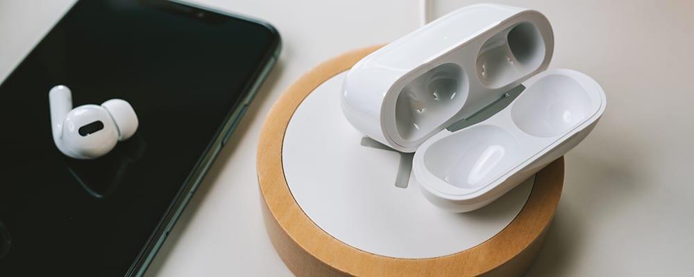 Airpods case wireless chargin