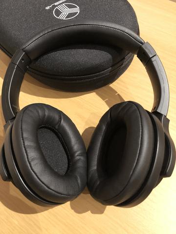 Z2 overear headphone